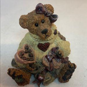 VNTG Boyds Bears - Bailey... Hearts Desire 1995